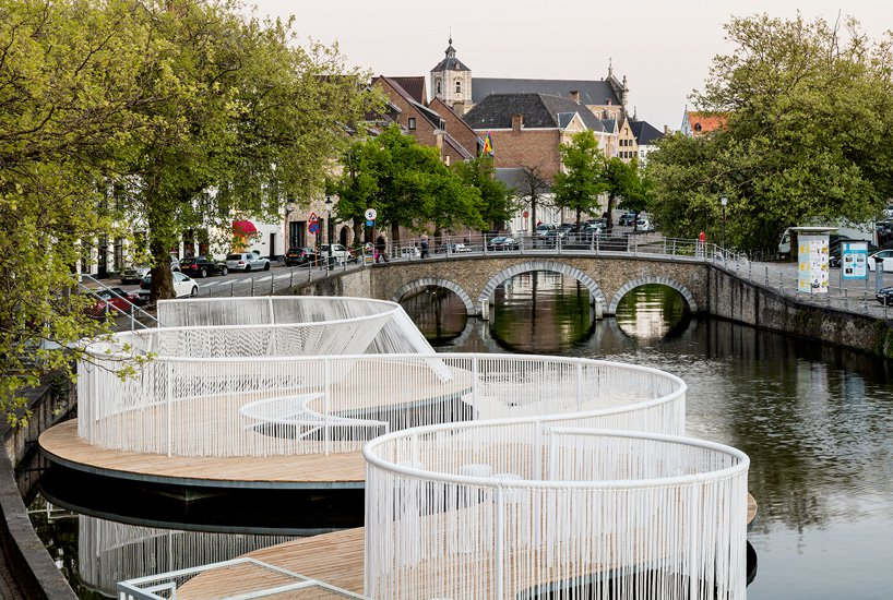 public art in bruges canal 1