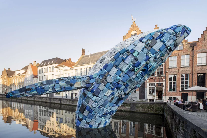 public art in bruges canal 11 1