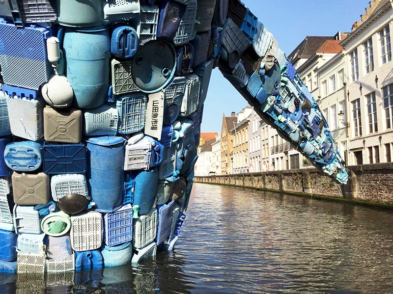 public art in bruges canal 11 3