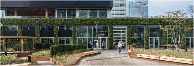 循環展館 CIRCL 室外可重新安裝的建築外牆。