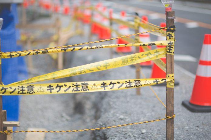 行家指出,日本不僅尊重專業,也強調奉公守法,人民素質也高,因此造就這樣的工地奇景。