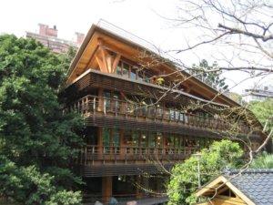 北投分館是臺灣首座「鑽石級」綠建築圖書館。(圖片來源/臺北市立圖書館北投分館FB)