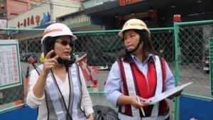 污水下水道計畫科股長簡鈺晴(左),負責新北市轄內污水下水道建設規劃與設計業務。(水利局提供)