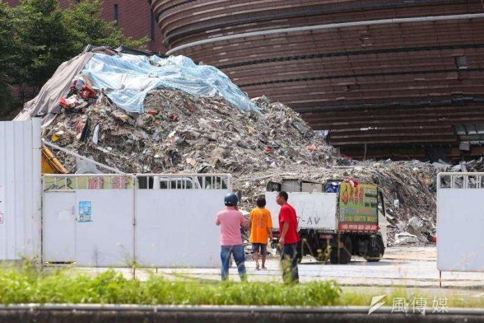 京華城拆除工程發生一起事故,一名拆除工人遭活埋致死。