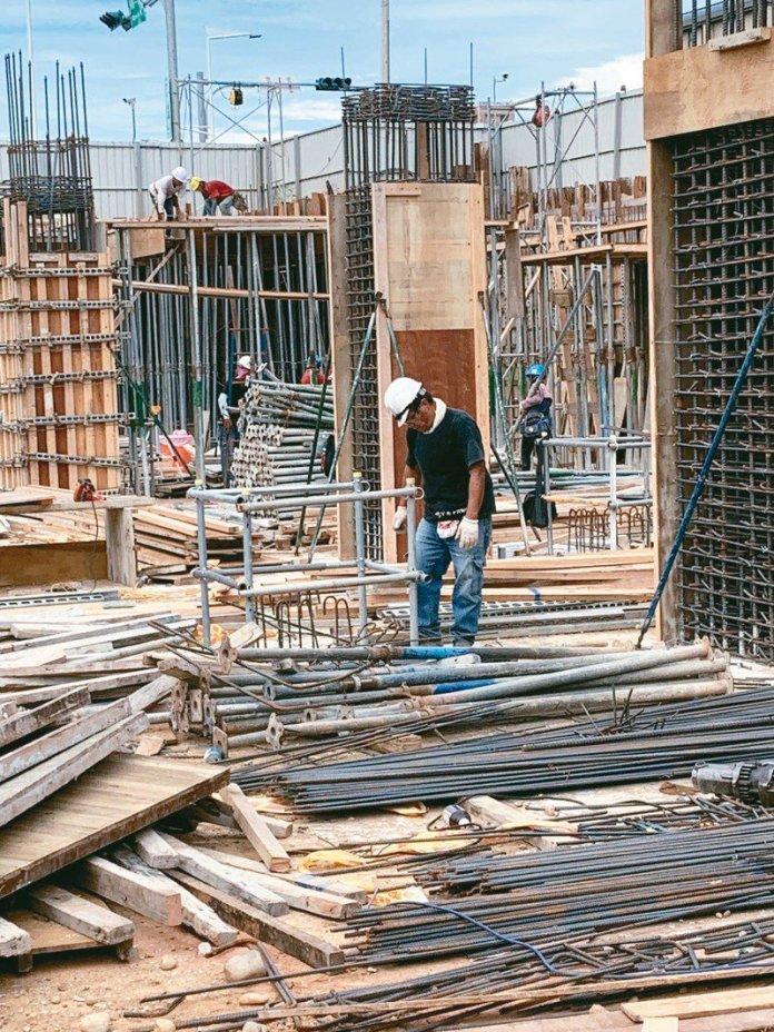 傳統產業都面臨缺工問題,營造業也很嚴重。