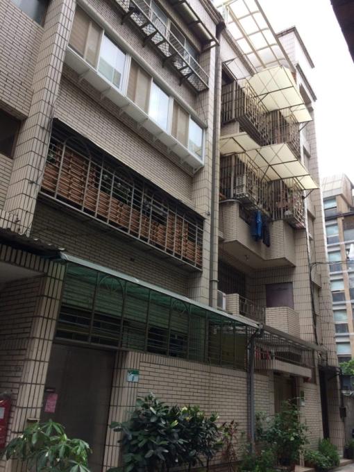 大安區潮州街的「旭大華廈」,為申請增設電梯獲准百萬補助款的社區之一。