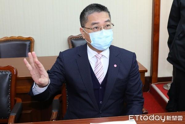 內政部長徐國勇 。