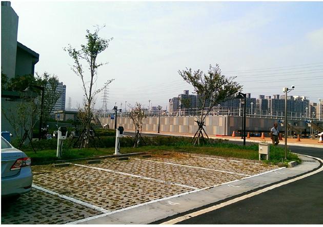 圖 3 台中文山水資源 - 停車場鋪面